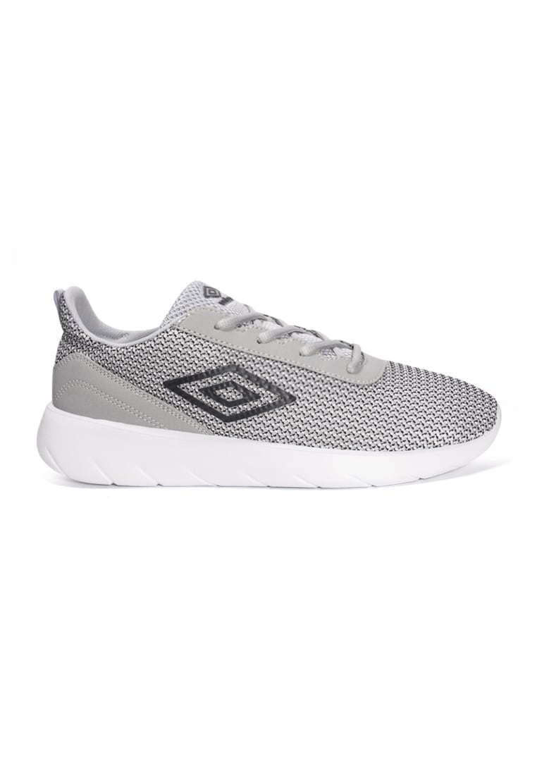 umbro casual shoes